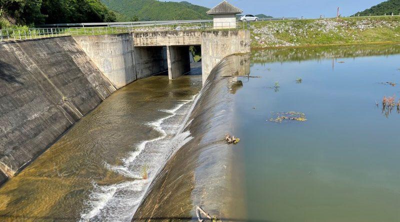 2อ่างเก็บน้ำหัวหิน -ปราณบุรี เร่งระบายน้ำรองรับฝนช่วง  6-10 ต.ค.นี้